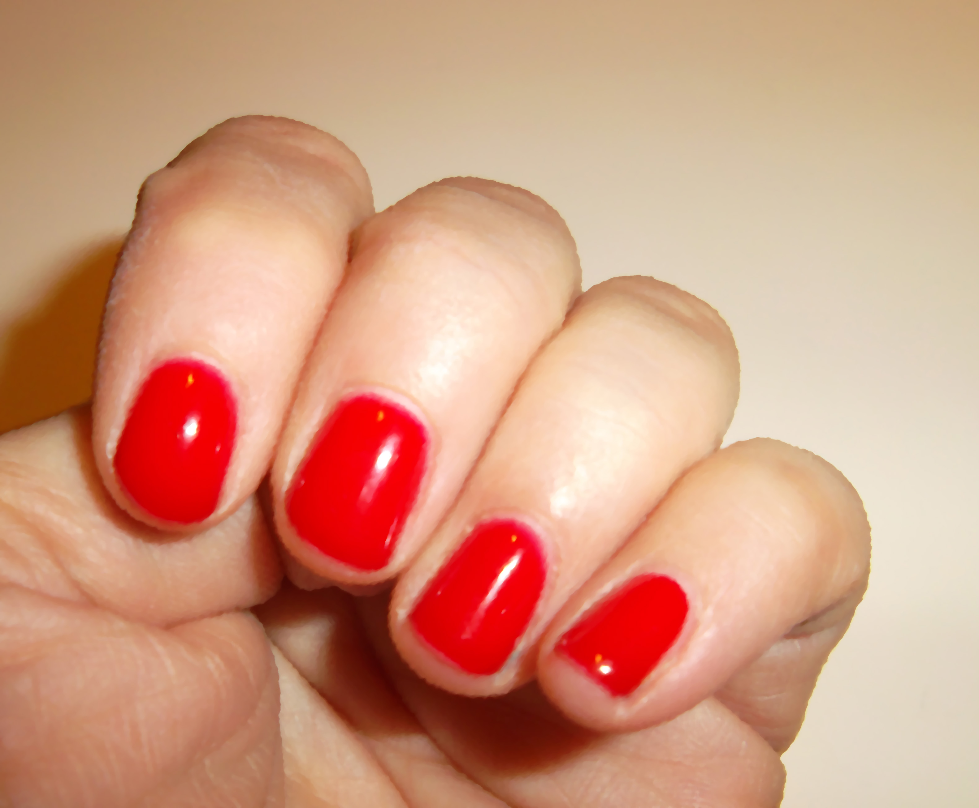 gel-color-opi-big-apple-red